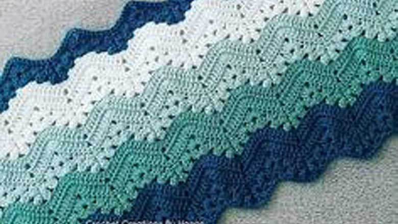 padrão de crochê grátis para cobertor de bebê - padrão de crochê ondulado da avó - padrão pdf - amorecraftylife.com #crochet #crochetpattern #freecrochetpattern
