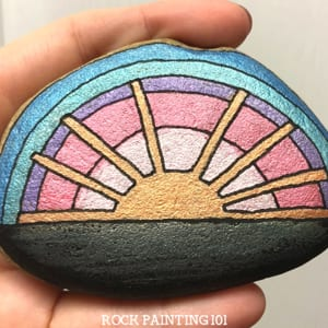 Ideas de pintura sobre rocas para niños - Manualidades para niños con rocas - araftylife.com #kidscrafts #craftsforkids #diy