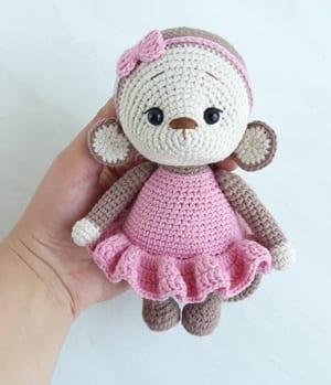 padrões de crochê de macaco- padrão de crochê de brinquedo- amigurumi acraftylife.com #crochet #crochetpattern #diy