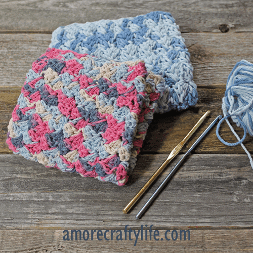 patrón de paño de cocina de ganchillo de puntada de juncia para imprimir gratis -amorecraftylife.com #crochet #crochetpattern #diy #freecrochetpattern