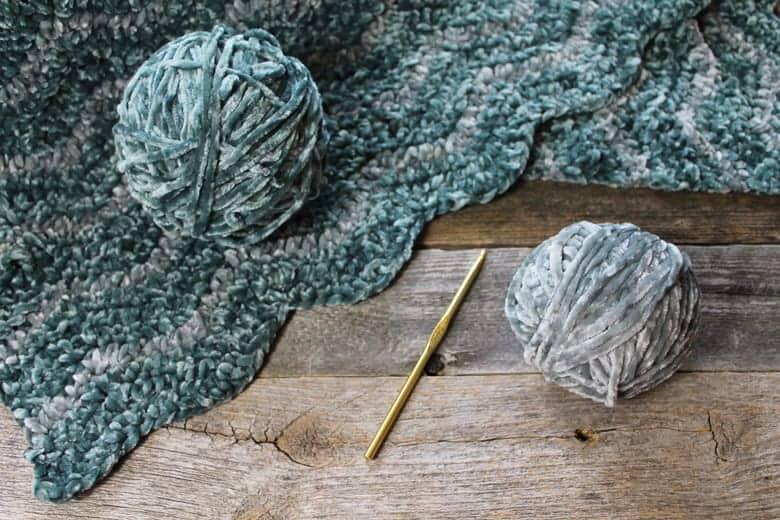 padrão de manta de crochê de veludo ondulado grátis - padrão de manta de crochê - padrão de manta de crochê -amorecraftylife.com #crochet #crochetpattern #freecrochetpattern