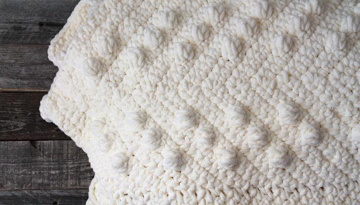 moderno chunky chevron crochet pattern - amorecraftylife.com - ripple afghan - free printable crochet pattern #crochet #crochetpattern #freecrochetpattern