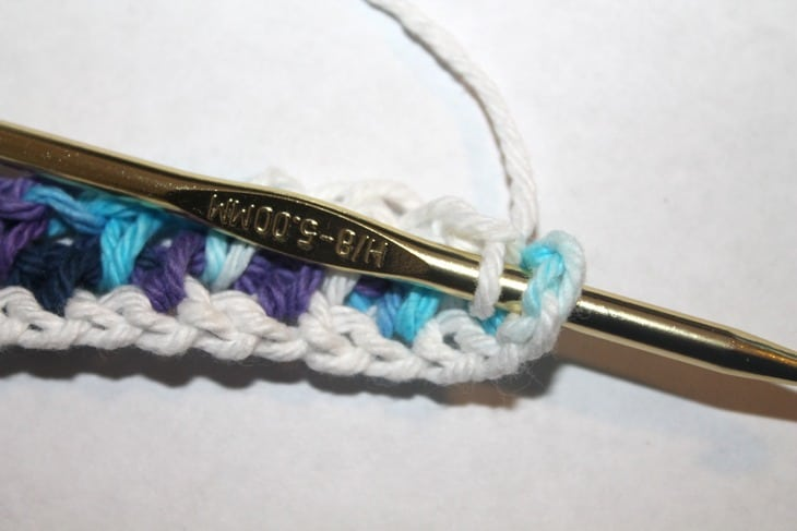 tutorial de ponto de musgo -amorecraftylife.com #crochet #crochetpattern #diy #freecrochetpattern