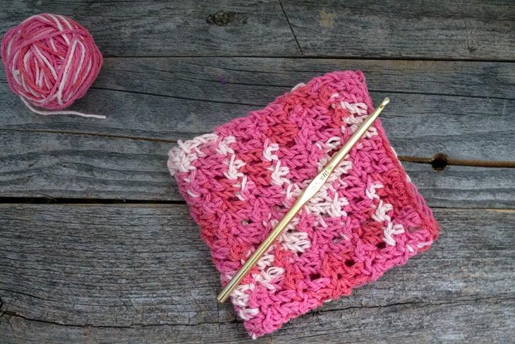 padrão de pano de prato de crochê de ponto florete fácil - pdf para impressão grátis - amorecraftylife.com #crochet #crochetpattern #freecrochetpattern